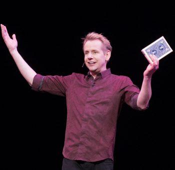 Magician, Comedian Chris Linn